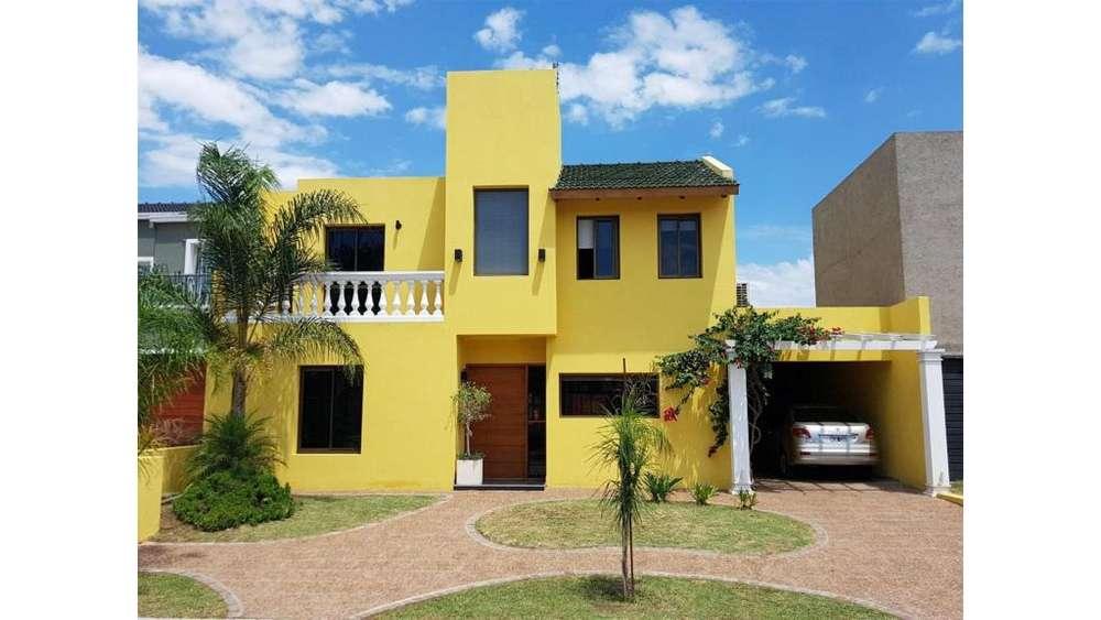 Se Vende Casa En Velez Sarsfield B Terranova 2 100 - 35.000 - Casa Alquiler