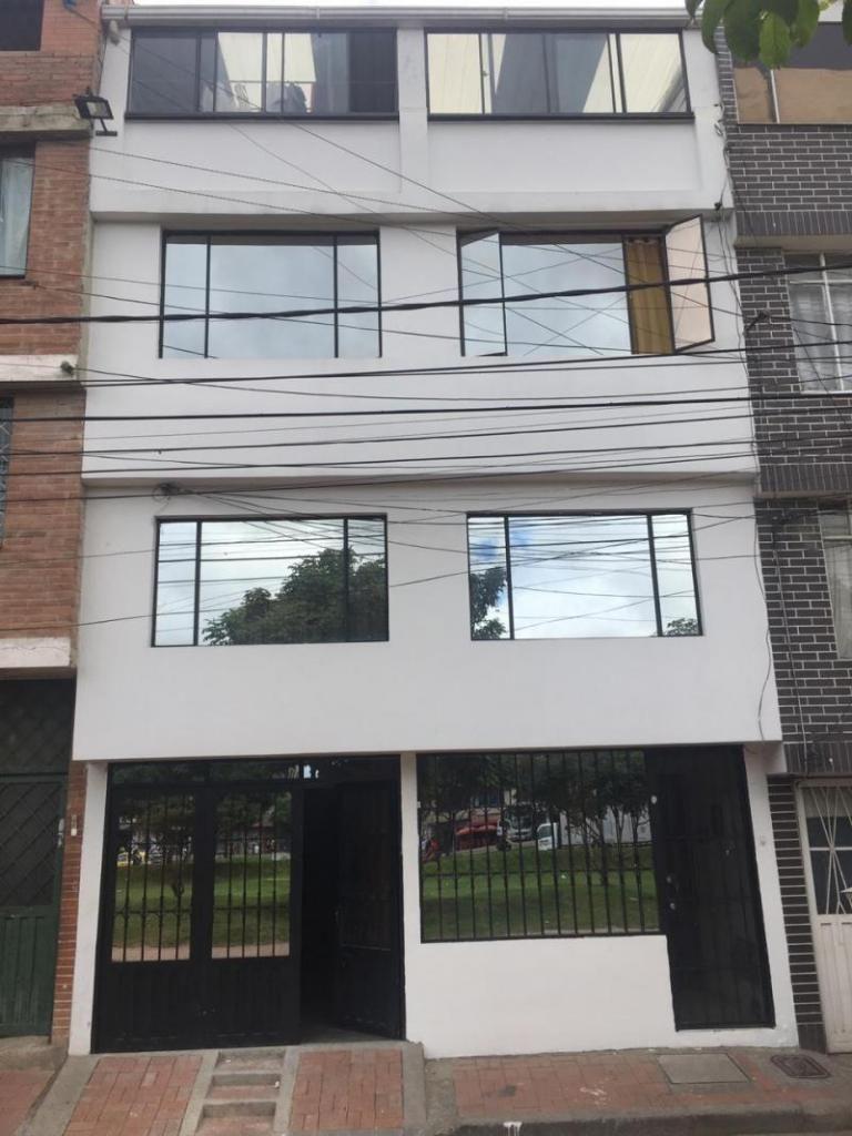 Casa En Venta En Bogota Aures Av Cali Cod. VBAAV11181