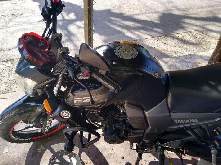 Moto Fz -150