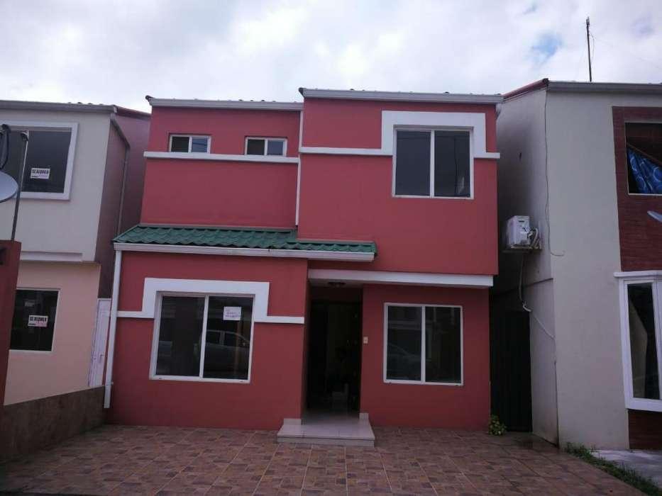 Vendo Casa 2 pisos en Urb. La Perla