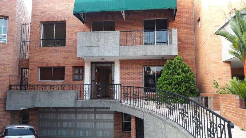 Casa Condominio En Venta En Cali <strong>ciudad</strong> Jardín Cod. VBSBI11301