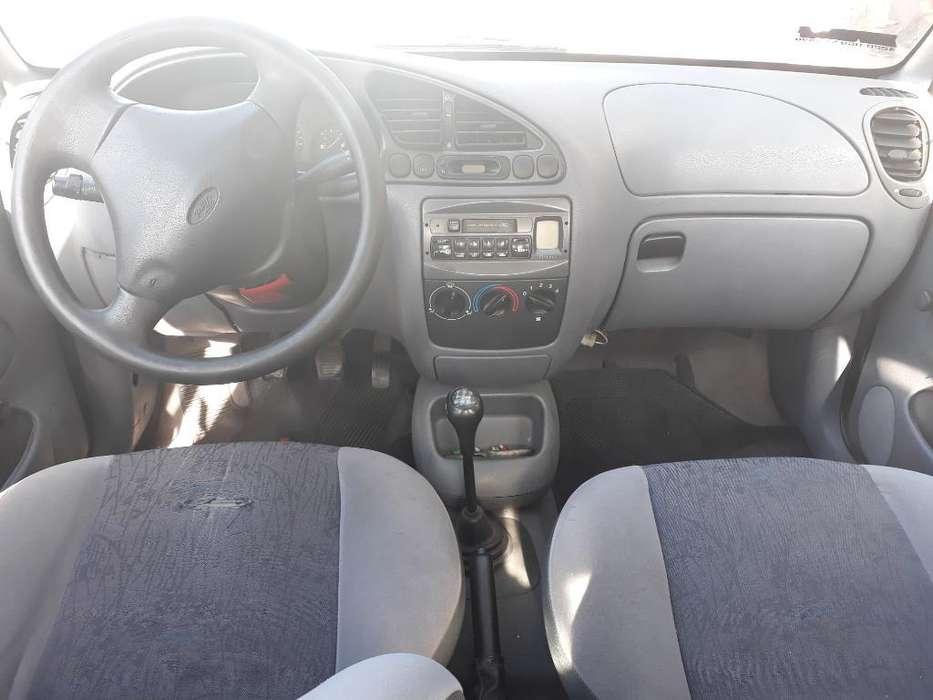 Ford Fiesta  1998 - 11111 km