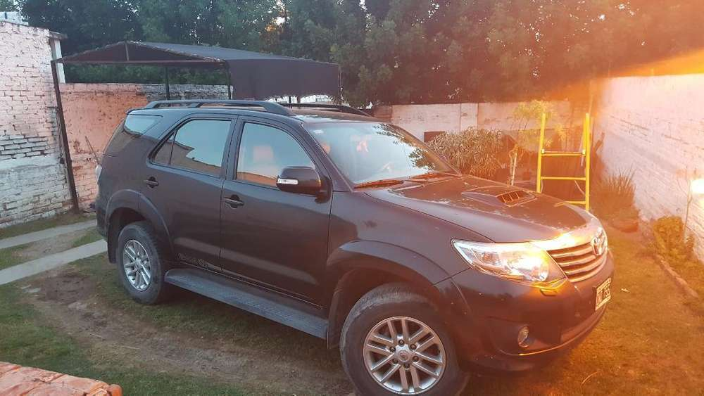 Toyota Hilux SW4 2013 - 65000 km