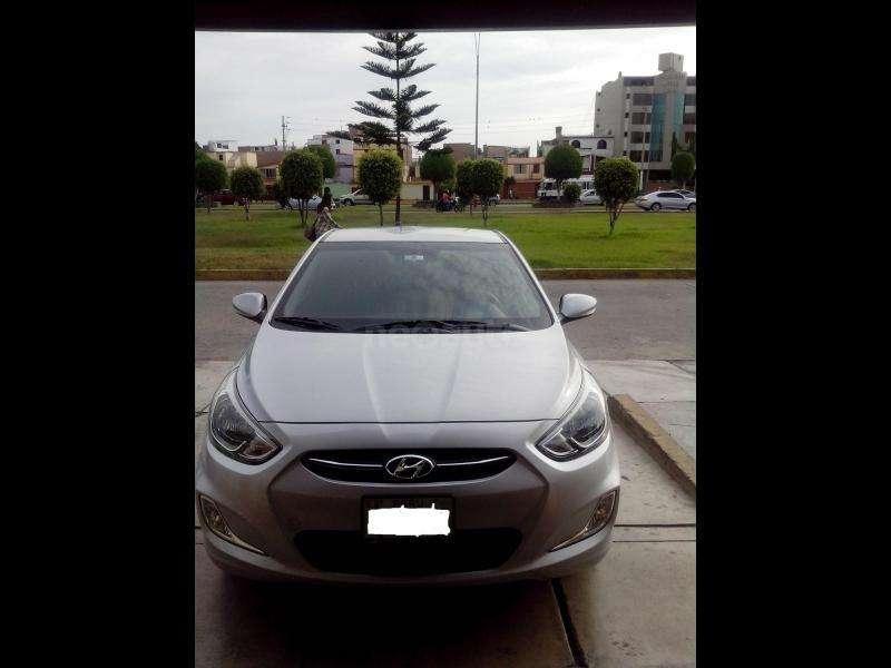 Hyundai Accent Hatchback 2014 - 33000 km