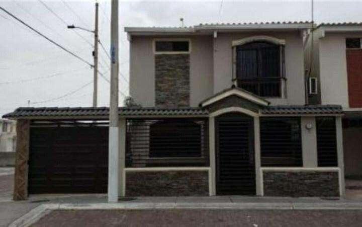 Venta de Casa en Mucho Lote 2, Autopista Narcisa de Jesus, Junto al Tia, Norte de Guayaquil SOLO DE CONTADO