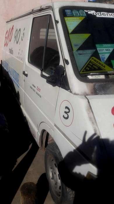 Renault Trafic 1991 - 200000 km