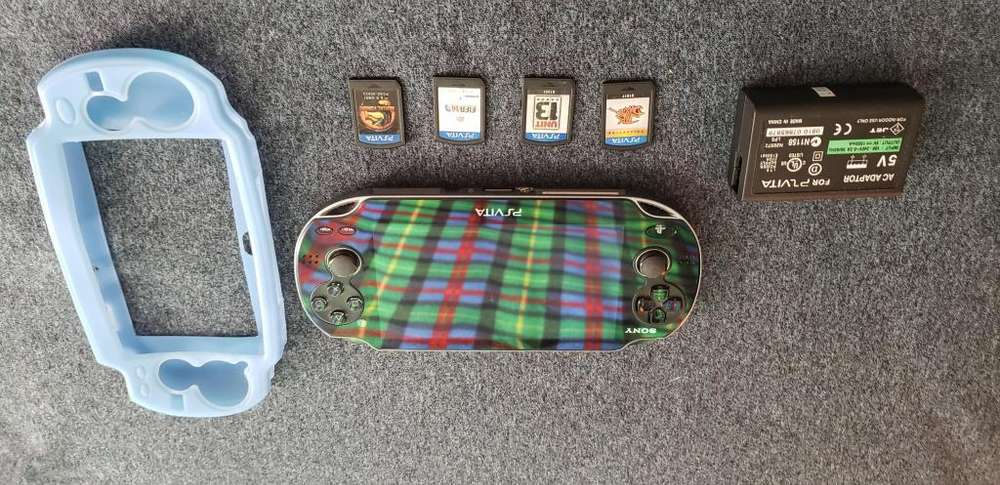 Playstation vita model pch1101 original
