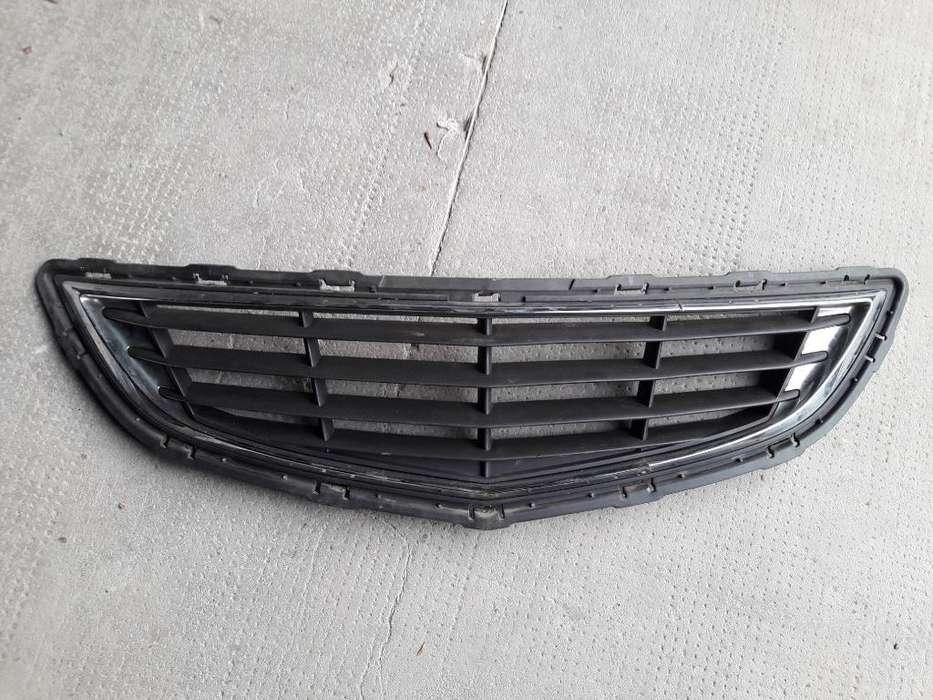 Parrilla Chevrolet Onix