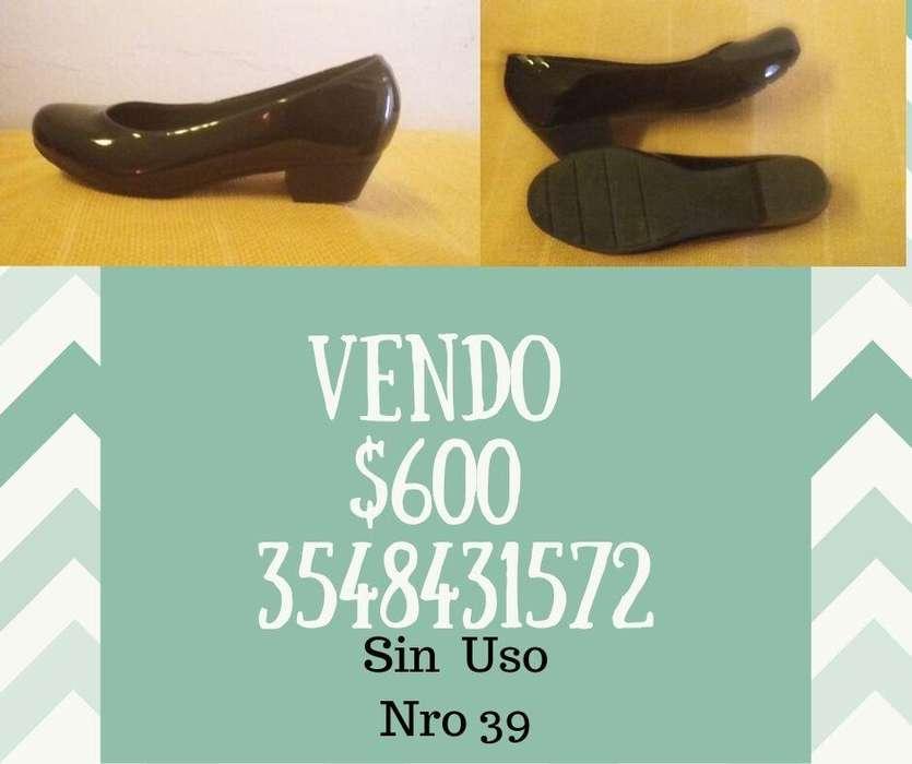 EN CAPILLA DEL MONTE - Vendo Zapatos