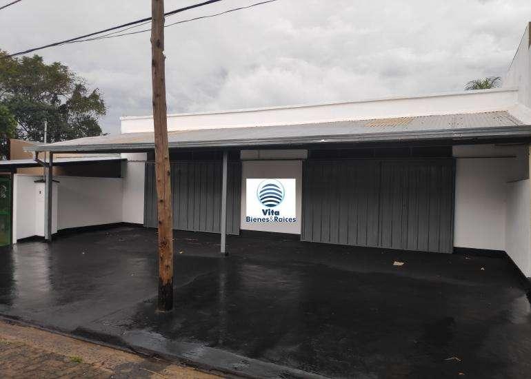Alquila Local Comercial Amplio a dos cuadras de la av. Corrientes (Paraguay y Morcillo)