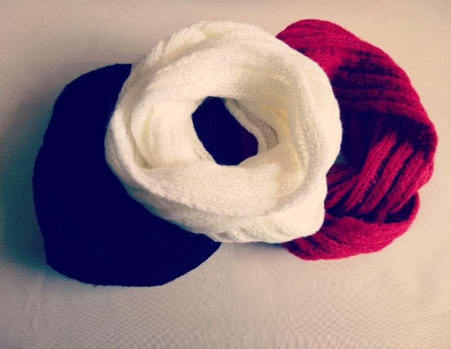 Cuellos Infinitos. Blanco, Negro Y Rojo
