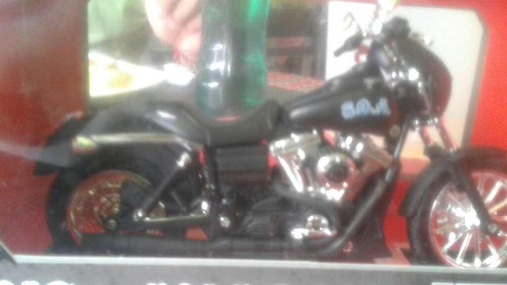 Moto 1.12 Harley Davidson
