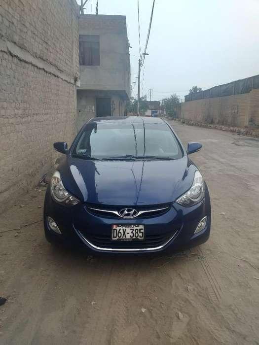 Hyundai Elantra 2013 - 83000 km