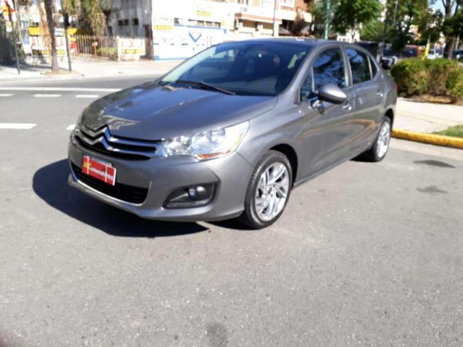 Citroen C4 Lounge 2015 - 32000 km