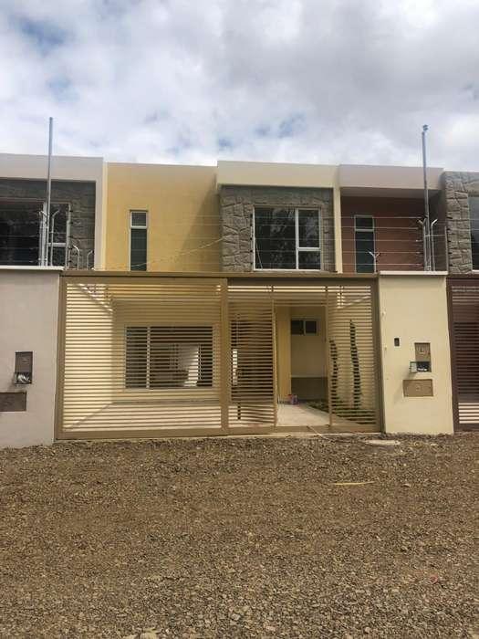 4 hermosas casas disponibles, con área verde
