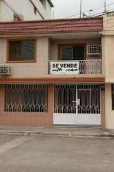 Venta de Casa en Sauces Uno, cerca del Terminal Terrestre, frente a Garzota, Norte de Guayaquil.