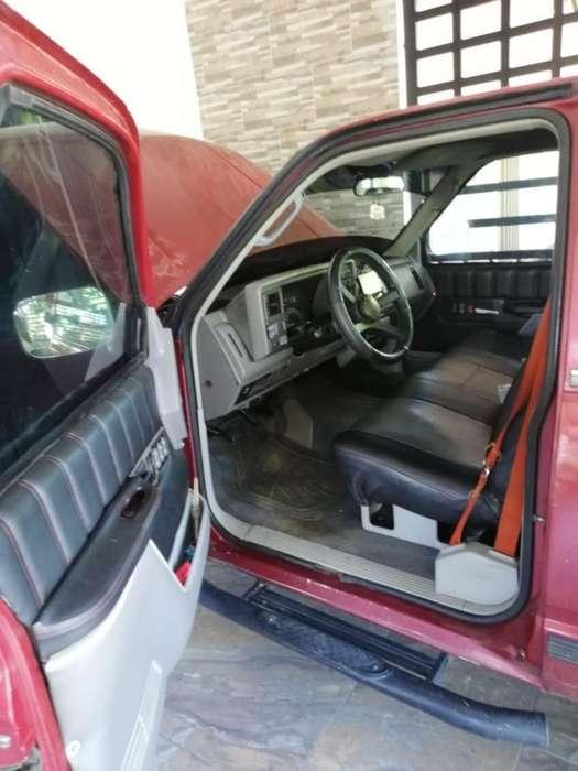 Chevrolet Silverado 1994 - 200000 km