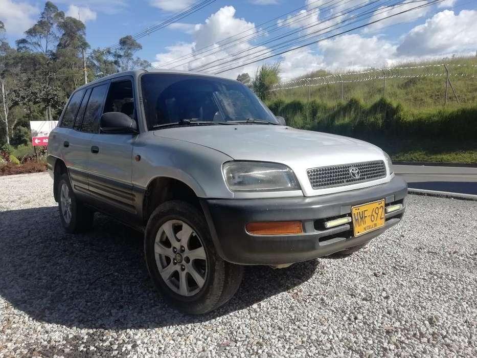 Toyota RAV4 1998 - 180000 km