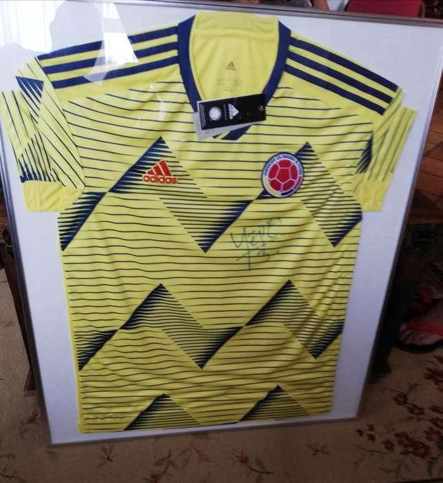 Camiseta de La Selección Firmada Yepes