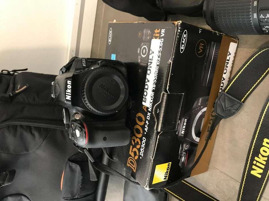 Nikon D5300 35mm 1.8 ( 2 lentes y <strong>accesorios</strong> )