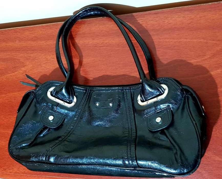 057236313 <strong>cartera</strong> negra marca XL. Sin uso!