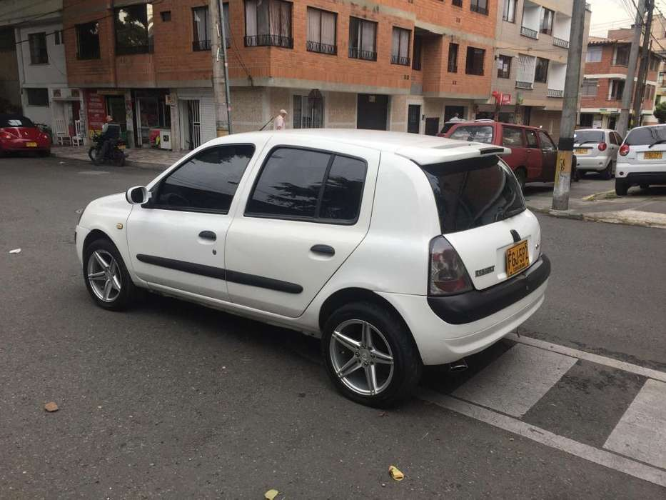 Renault Clio  2008 - 131000 km