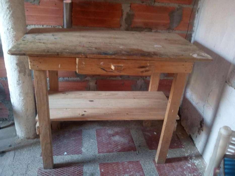 Vendo mesa de buena madera antigua