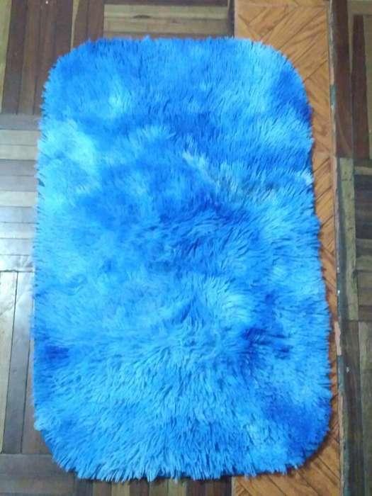Se Vende <strong>alfombra</strong> Azul de 72 Cm
