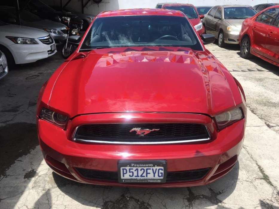 Ford Mustang 2014 - 15000 km