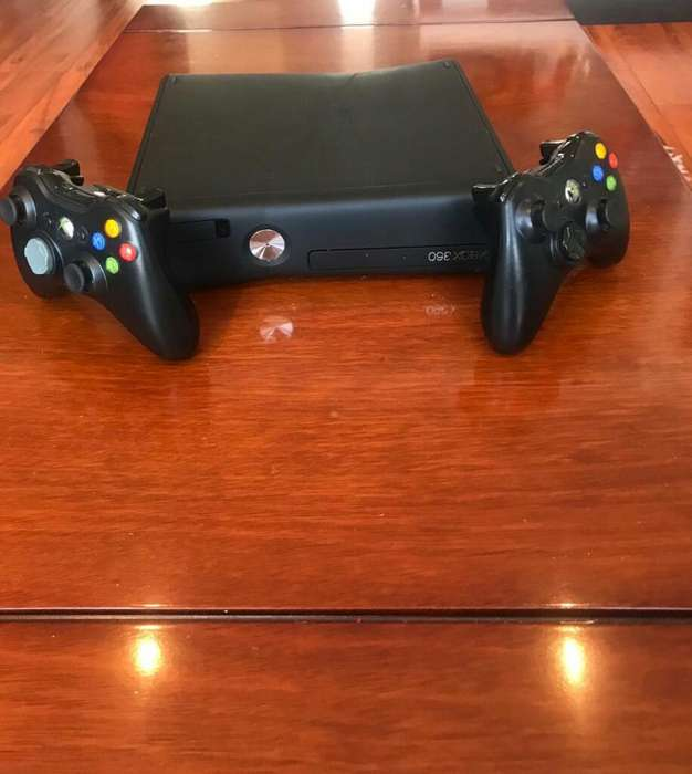 Xbox 360, 1 Tera, Un Control