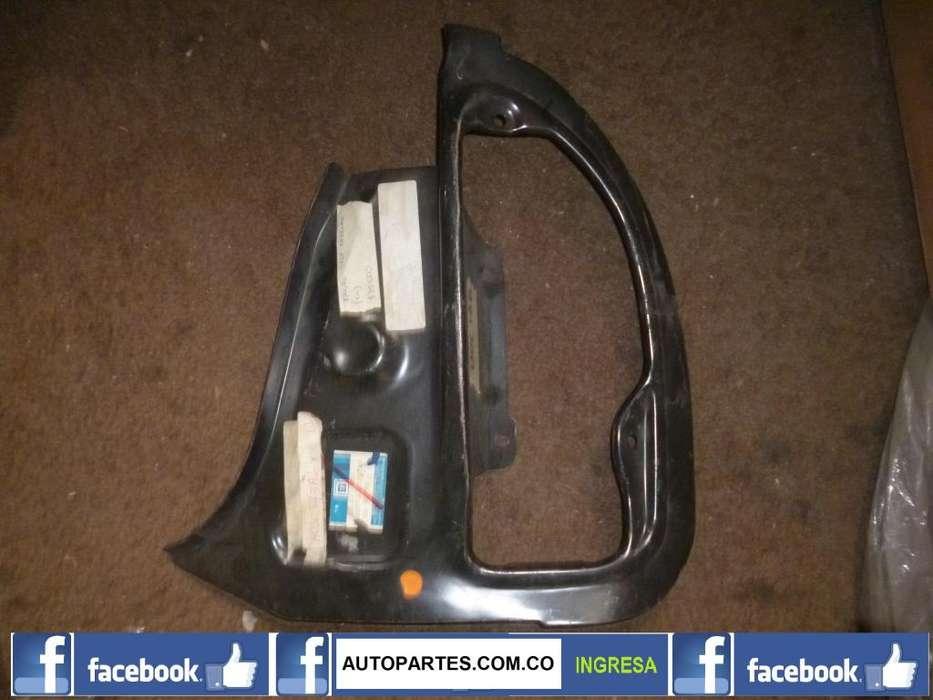Base lampara stop trasero derecho CHEVROLET CORSA 5 puertas 1996 2008 CELULAR: 3108848841