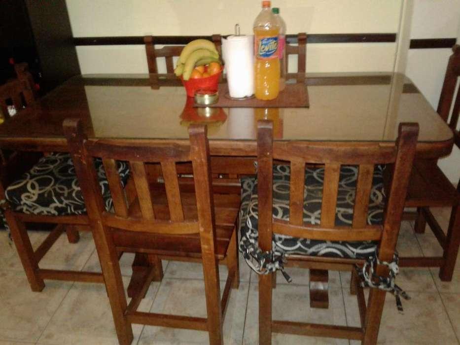 Mesa de algarrobo con 6 sillas