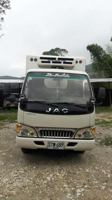 Camion Jac 1035 Congelación con Trabajo