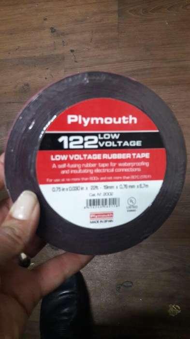 Cinta Plymouth