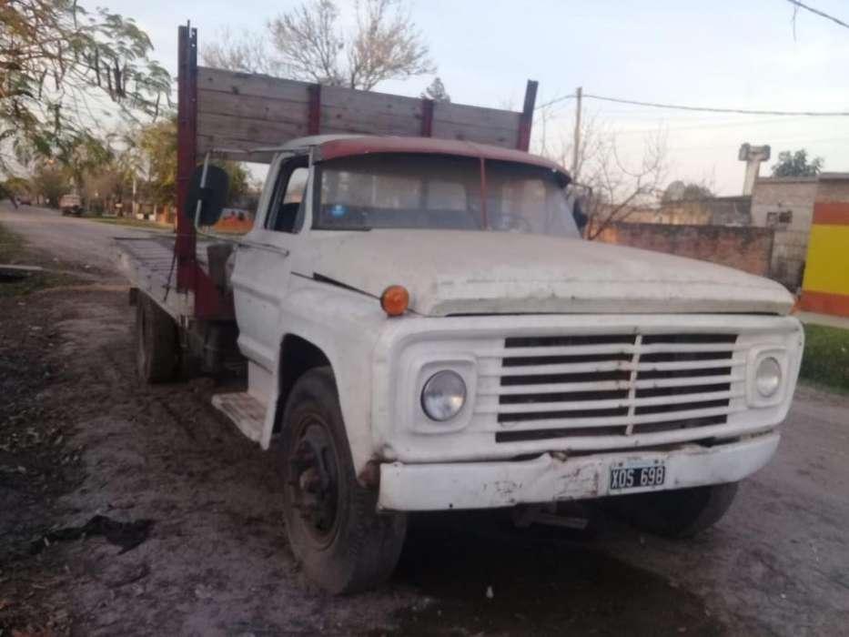 Vendo Ford 600