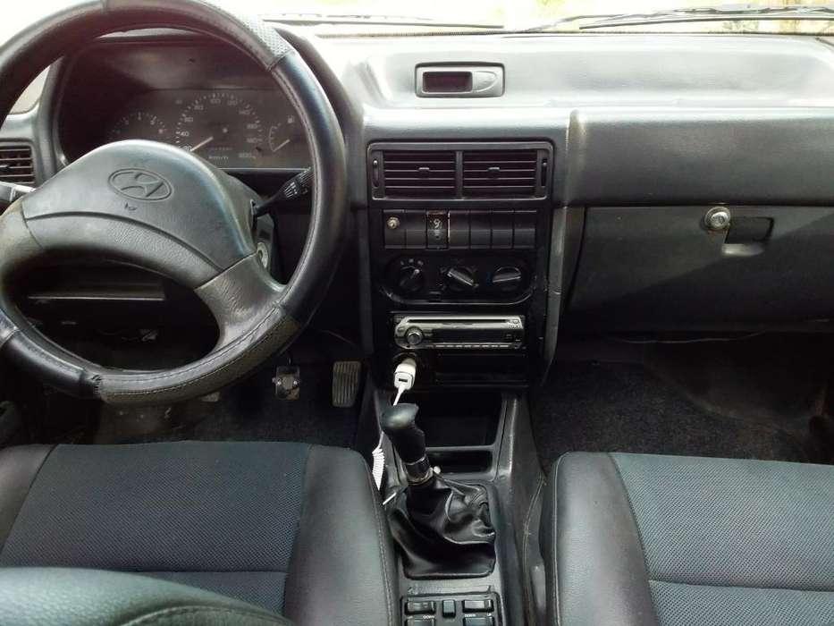 Hyundai Otro 1994 - 77777 km
