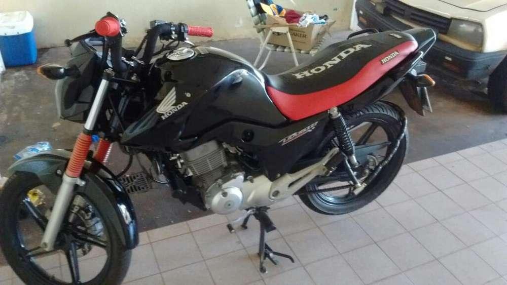 Vendo Honda New Titan