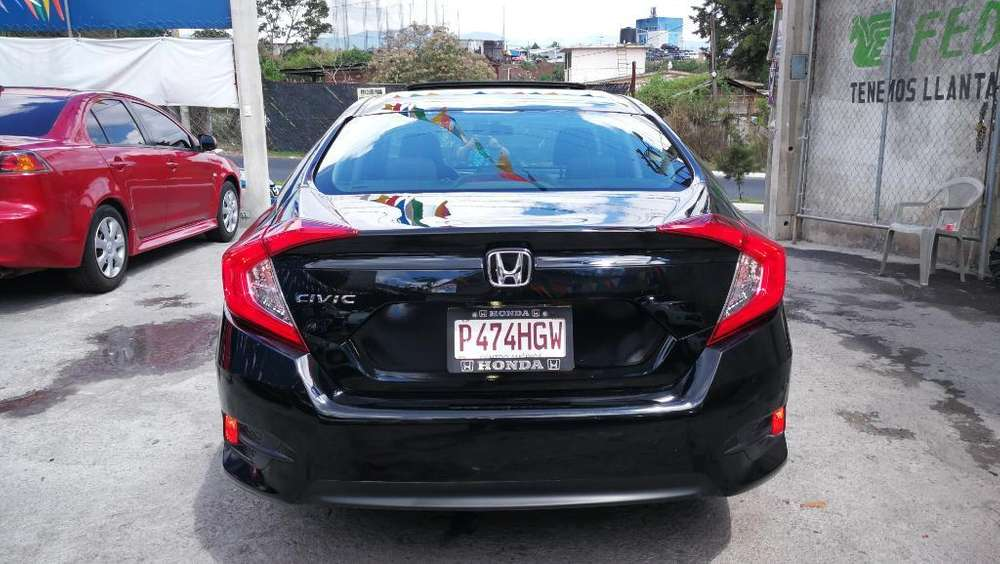 Honda Civic 2016 - 10366 km