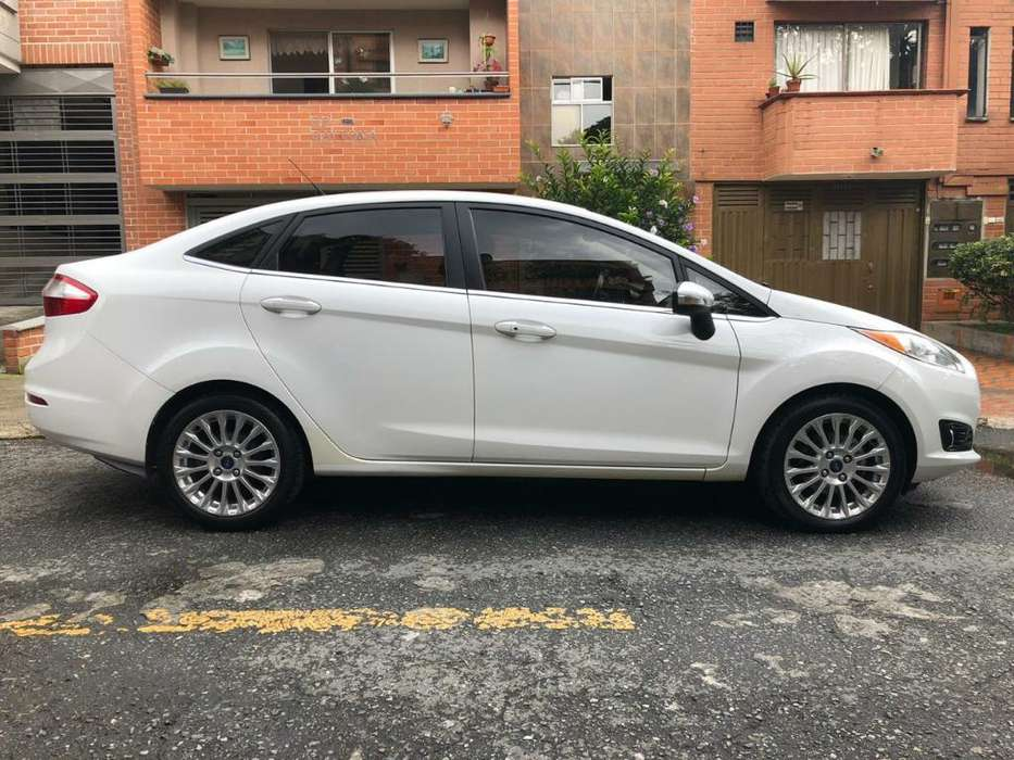 <strong>ford</strong> Fiesta  2014 - 50000 km