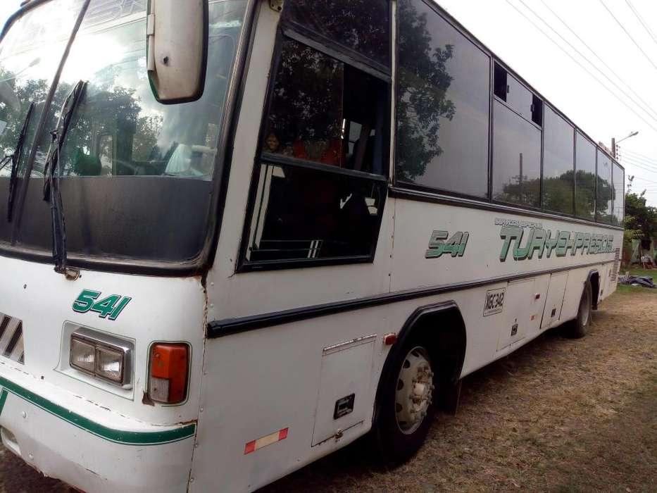 VENDO BUS CHEVROLET ISUZU 660 MODELO 1998, AL DÍA TRABAJANDO.