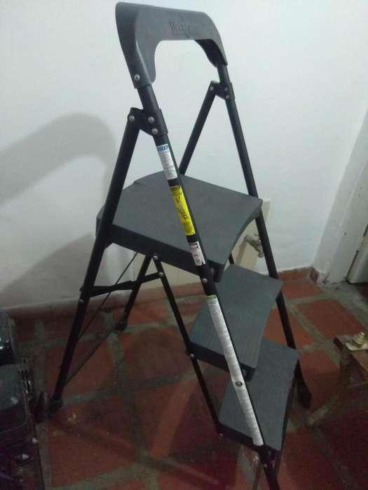 <strong>silla</strong> ESCALERA NEGRA ACERO 3 PASOS REDLINE UBERMAN CALI 3147799871