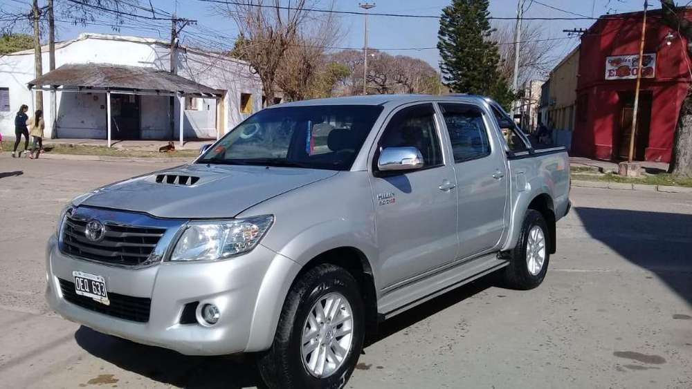 Toyota Hilux 2014 - 98000 km