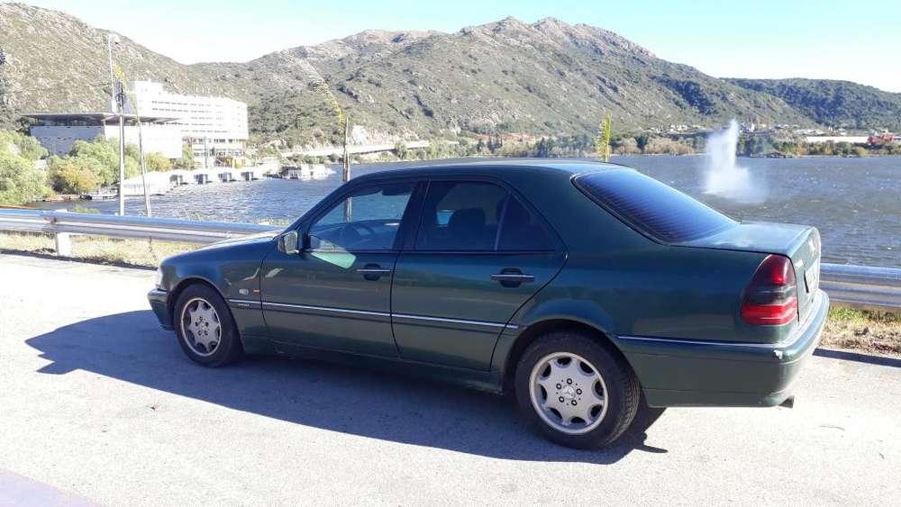 Mercedes-Benz Clase C 1999 - 210000 km