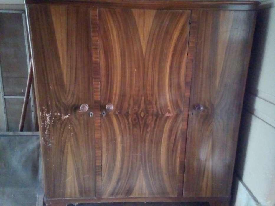 Antiguo Ropero Placard Mueble de Guardad