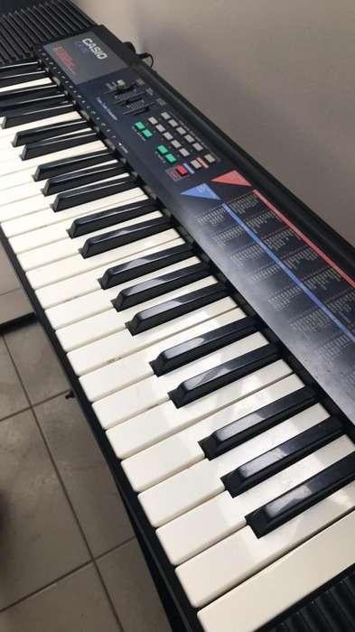 Piano Casio Ca-110