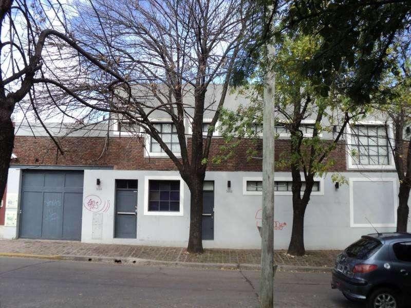 OFICINAS EN VENTA 615 m2 cub 720 de LOTE EN ACASSUSO 16 DESPACHOS COCHERAS