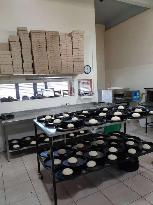 Vendo Fondo Comercio Pizzeria.