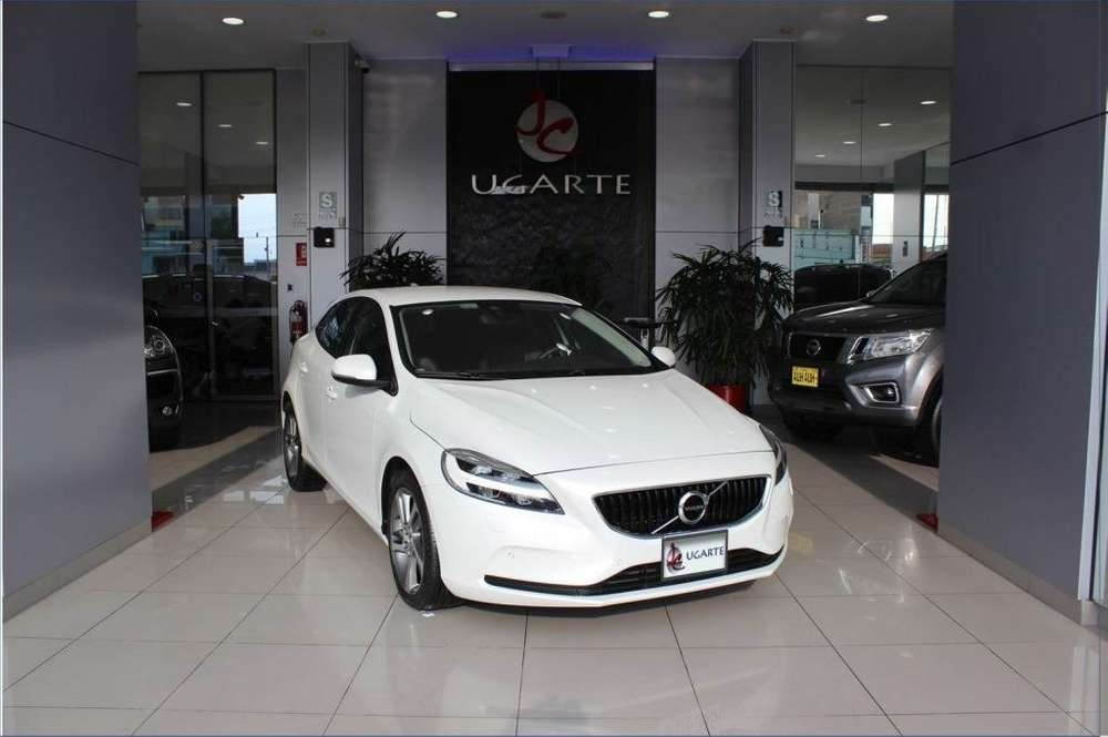 <strong>volvo</strong> V40 2017 - 11369 km