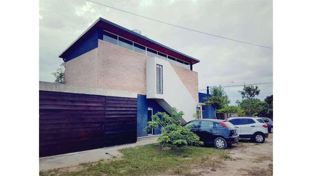 Casa Moderna - Zona Motel Vips 100 - UD 110.000 - Casa en Venta
