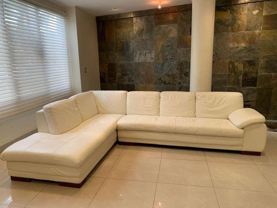 Hermoso Mueble de cuero de la tienda TEMPO